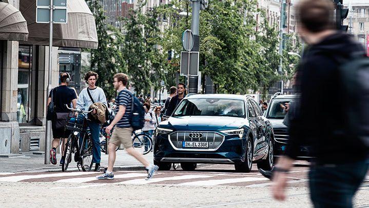 STA_LP_Audi_Etron_Box_02_720x406
